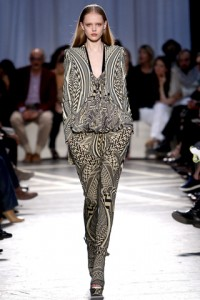 Geometric black/white patterned print pant suit by Givenchy